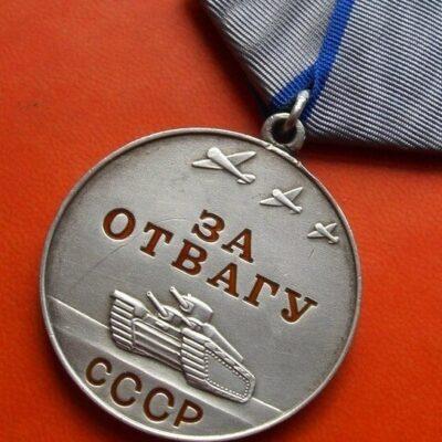 Найденную в Беларуси награду вернули казахстанскому ветерану