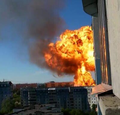 Несколько человек пострадали при взрывах около АЗС в Новосибирске